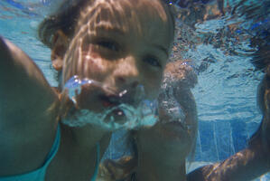 Swimming pool maintenance chlorine in swimming pools for Can you swim in a pool with high chlorine